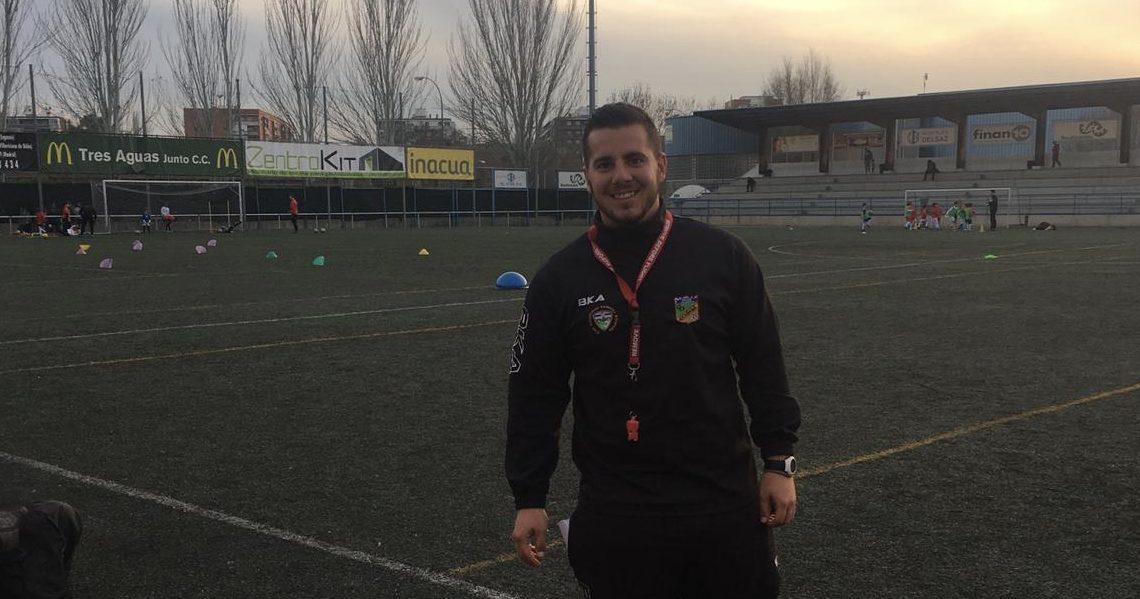"""Adrián Lejo, entrenador del Atlético Cañada: """"Me gusta ser cercano con mis jugadores, pero sobre todo ayudarles a que crezcan como personas"""""""