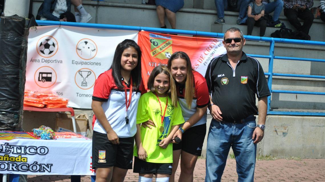 """Alessandra Masias, entrenadora del Femenino Benjamín: """"Toda mi vida ha girado alrededor del fútbol"""""""